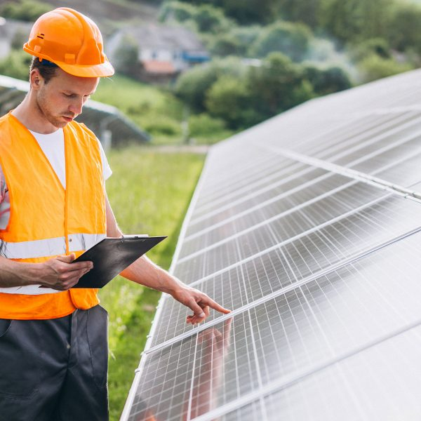 Photovoltaic system maintenance: protect yourself from production outages and guarantee its durability