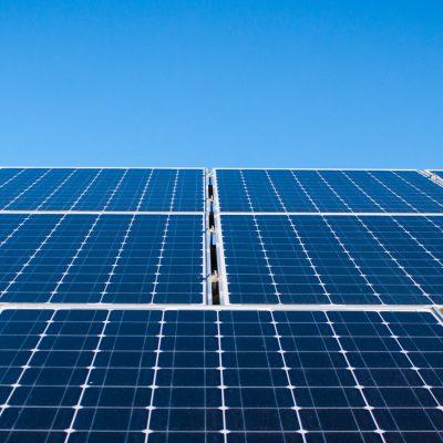 Autoconsumo de energia solar é a solução sustentável e eficiente para as empresas