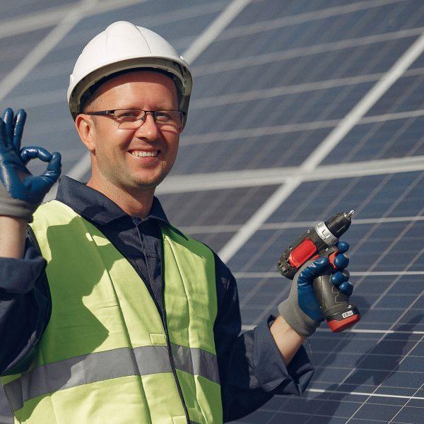 Qual é o painel solar fotovoltaico adequado para o autoconsumo?